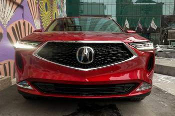 How Do Car Seats Fit in a 2022 Acura MDX?