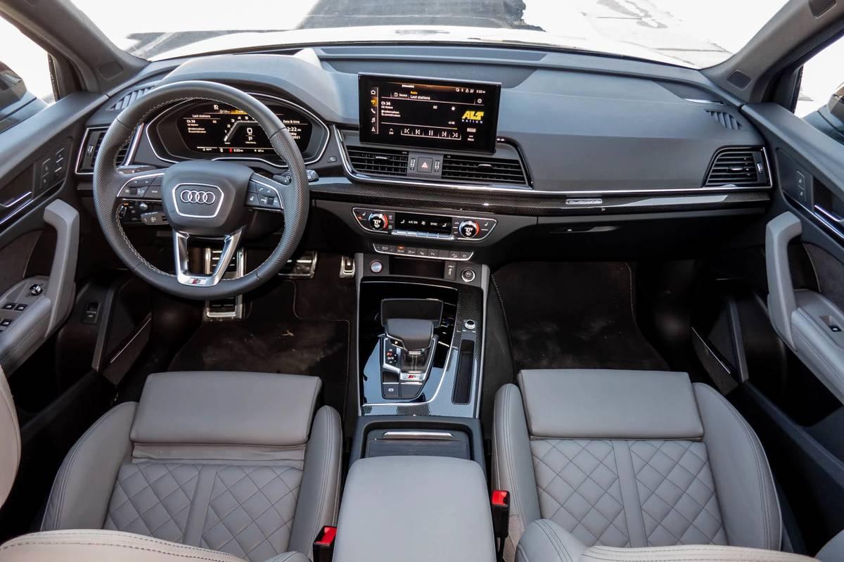 audi-sq5-2021-13-cockpit-shot--dashboard--front-row--interior.jpg