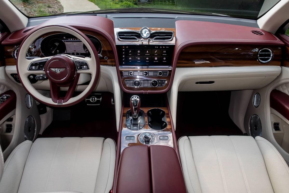 2021 Bentley Bentayga 6 Pros And 4 Cons News Cars Com