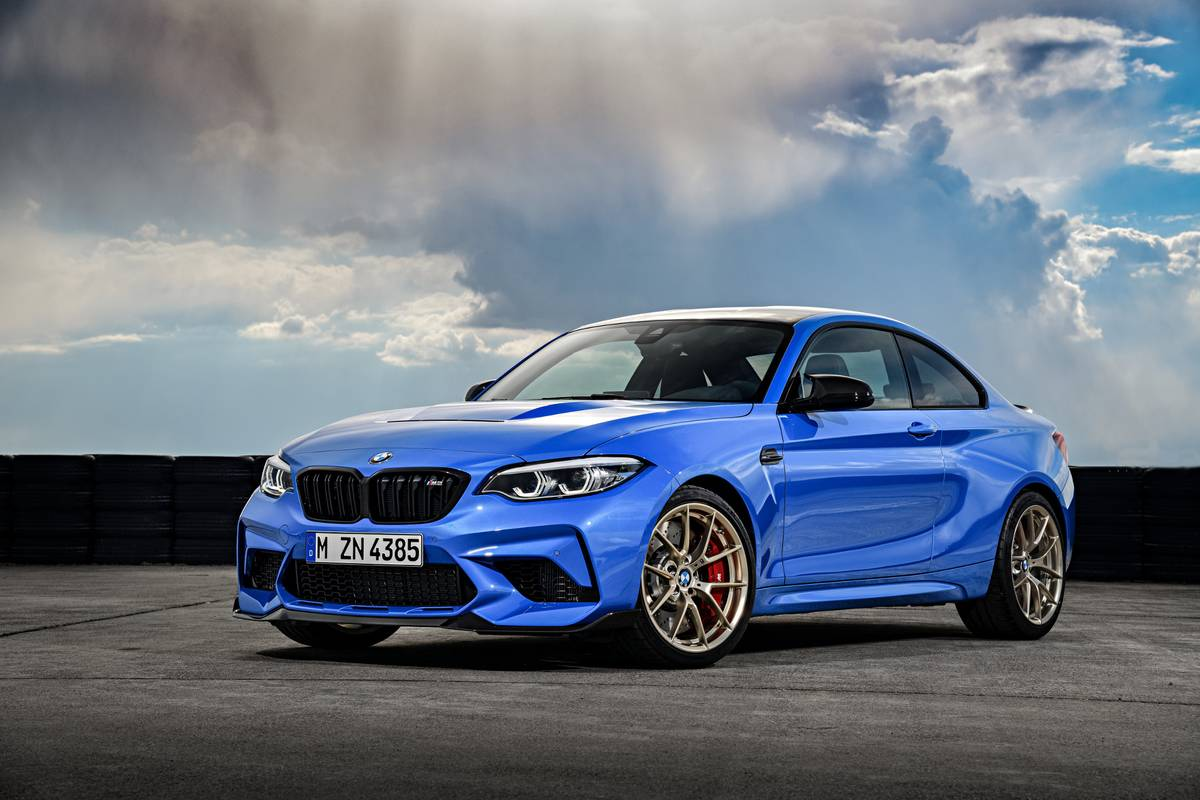 bmw-m2-cs-2020-02-angle--blue--exterior--front.jpg