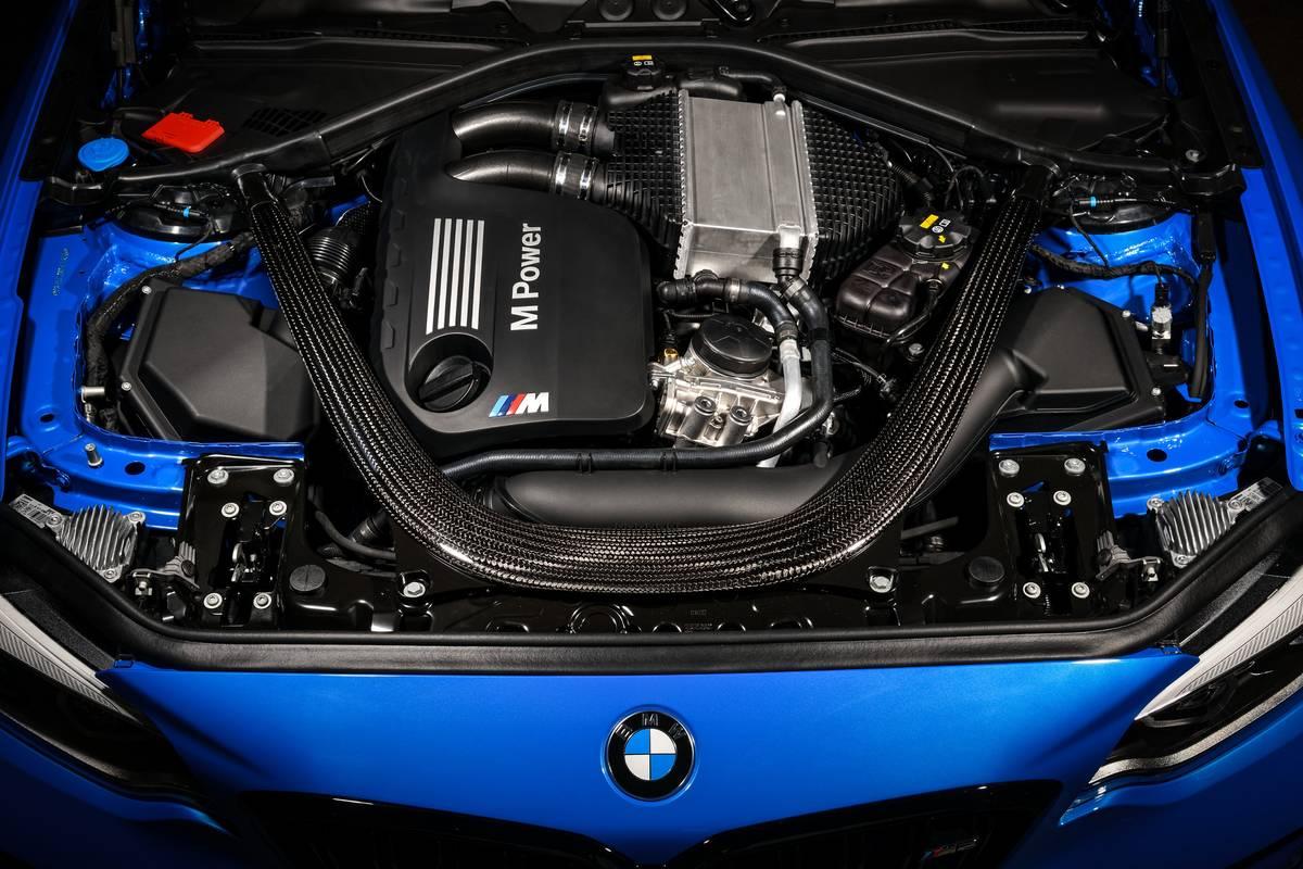 bmw-m2-cs-2020-12-blue--engine--exterior.jpg