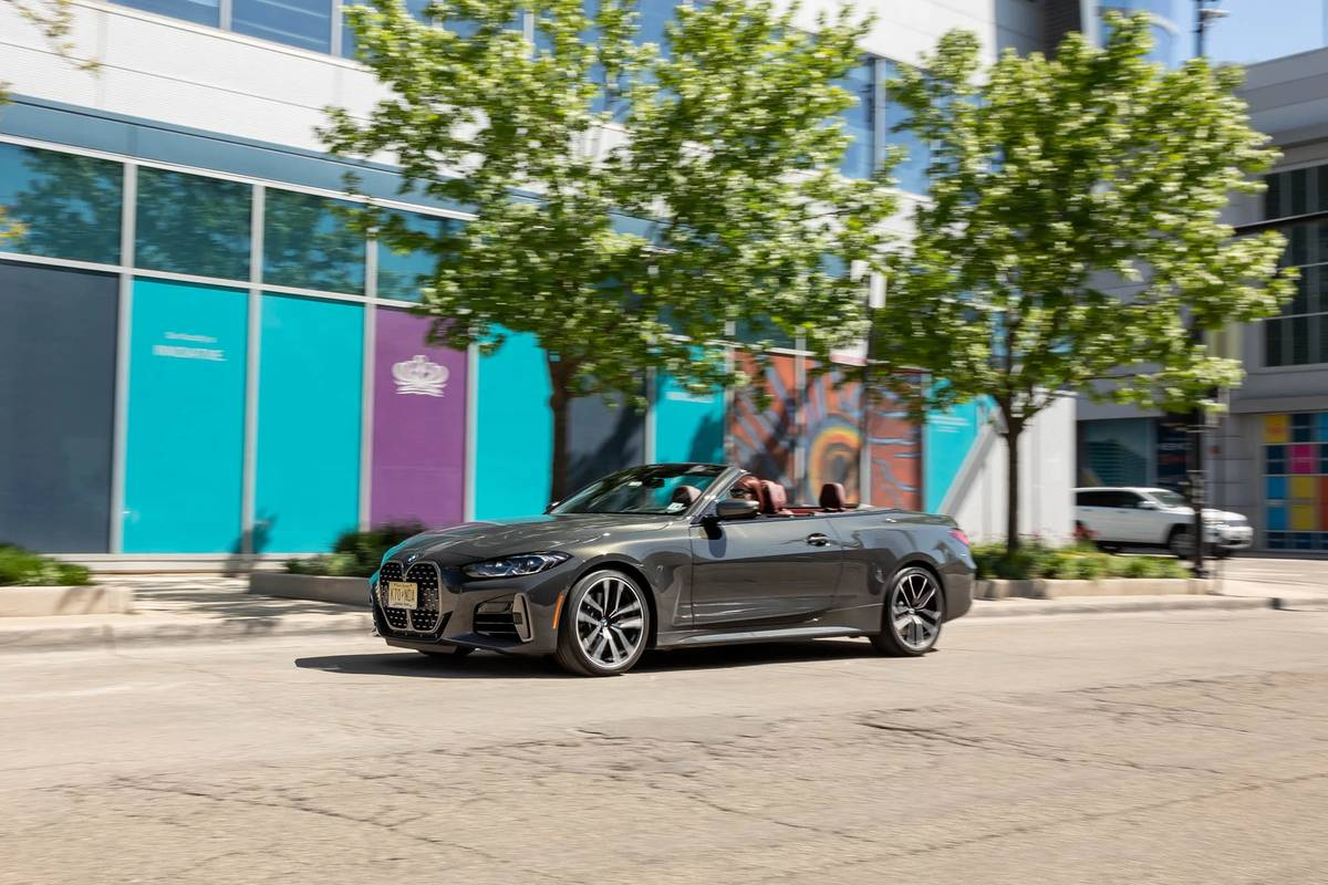 bmw-m440i-convertible-2021--01-angle--exterior--front--gray.jpg