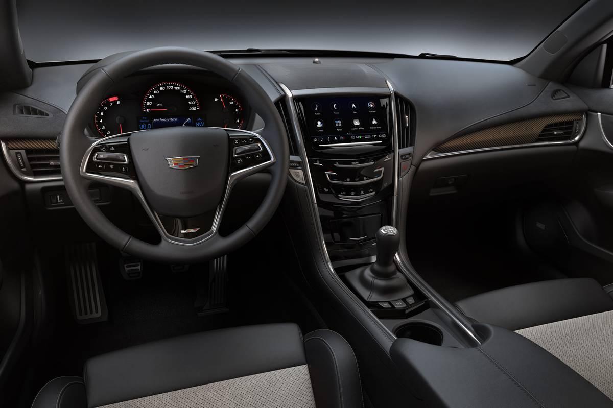 cadillac-ats-v-2019-01-cockpit-shot--interior.jpg