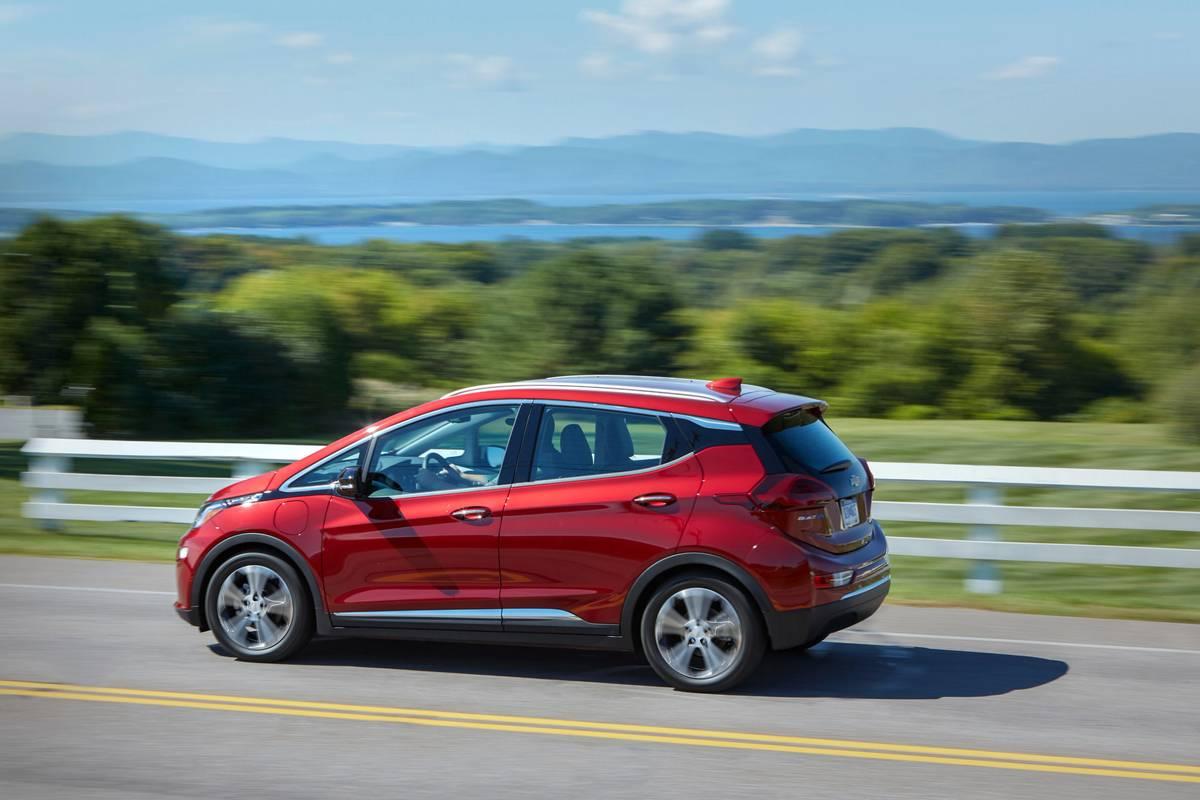 chevrolet-bolt-EV-2020-2-angle--dynamic--exterior--rear--red.jpg