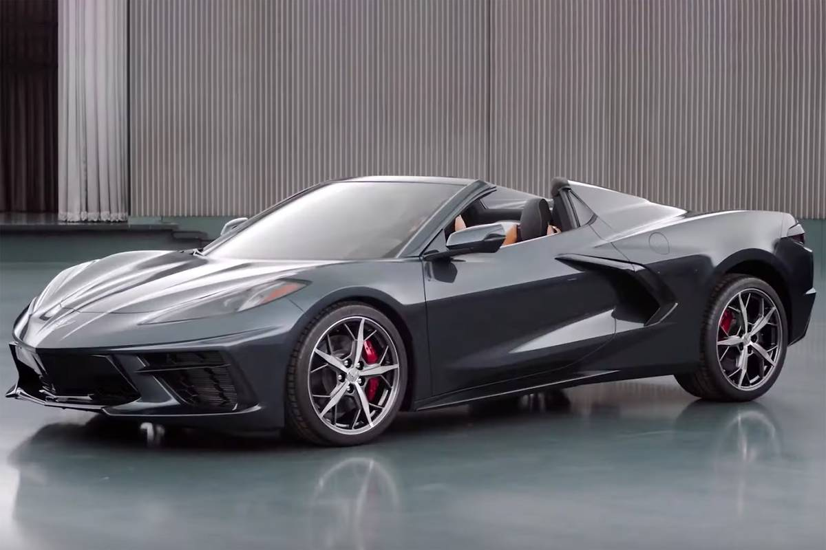 chevrolet-corvette-2020-01-angle--black--exterior--front.jpg