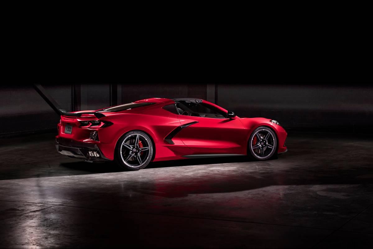 chevrolet-corvette-stingray-2020-03-angle--exterior--rear--red.jpg