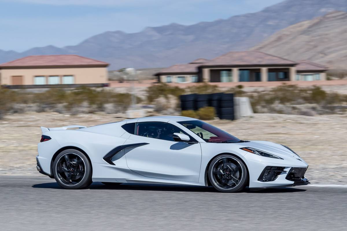 chevrolet-corvette-stingray-2020-1-dynamic--exterior--outdoors--profile--white.jpg