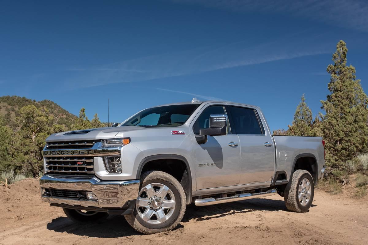 chevrolet-silverado-2500-2020-18-angle--exterior--front--silver.jpg
