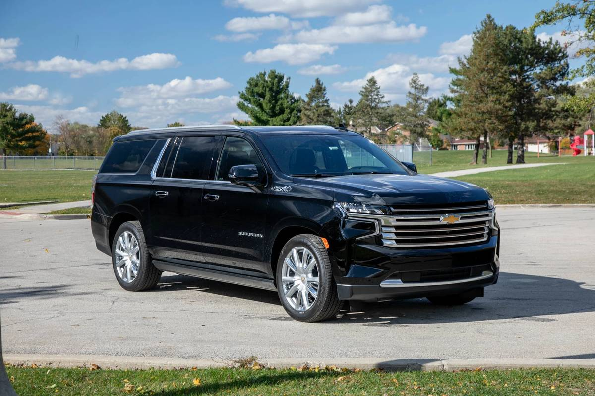 2021 Chevrolet Suburban 6 Things We Like And 3 Things We Don T News Cars Com