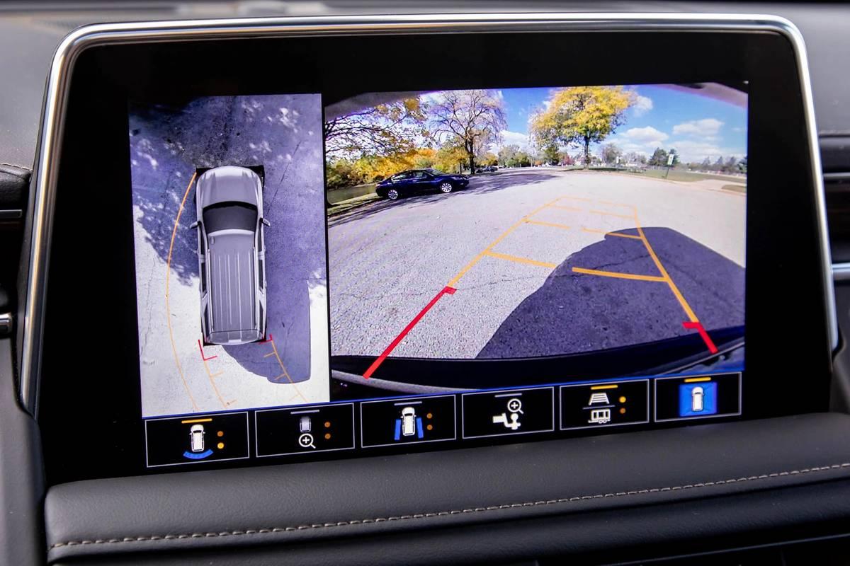 2021 Chevrolet Suburban High Country backup camera