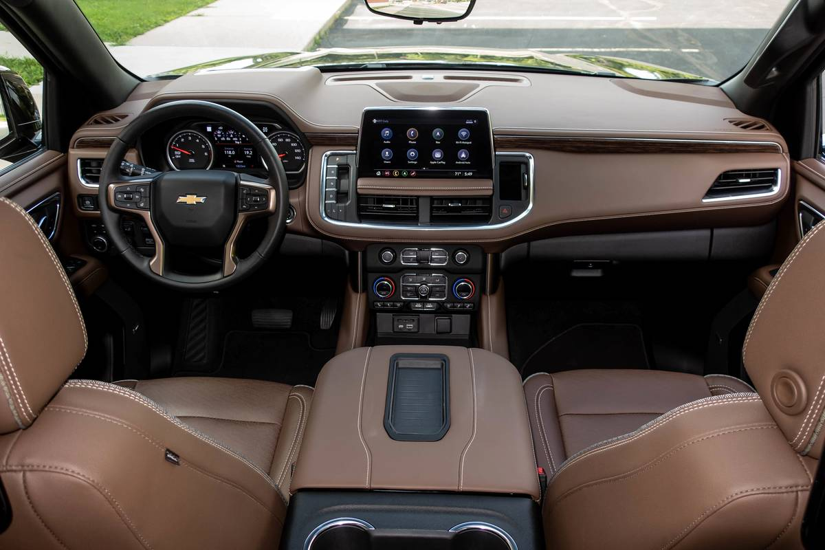 3 Things We Love About The 2021 Chevrolet Tahoe High Country S Interior News Cars Com