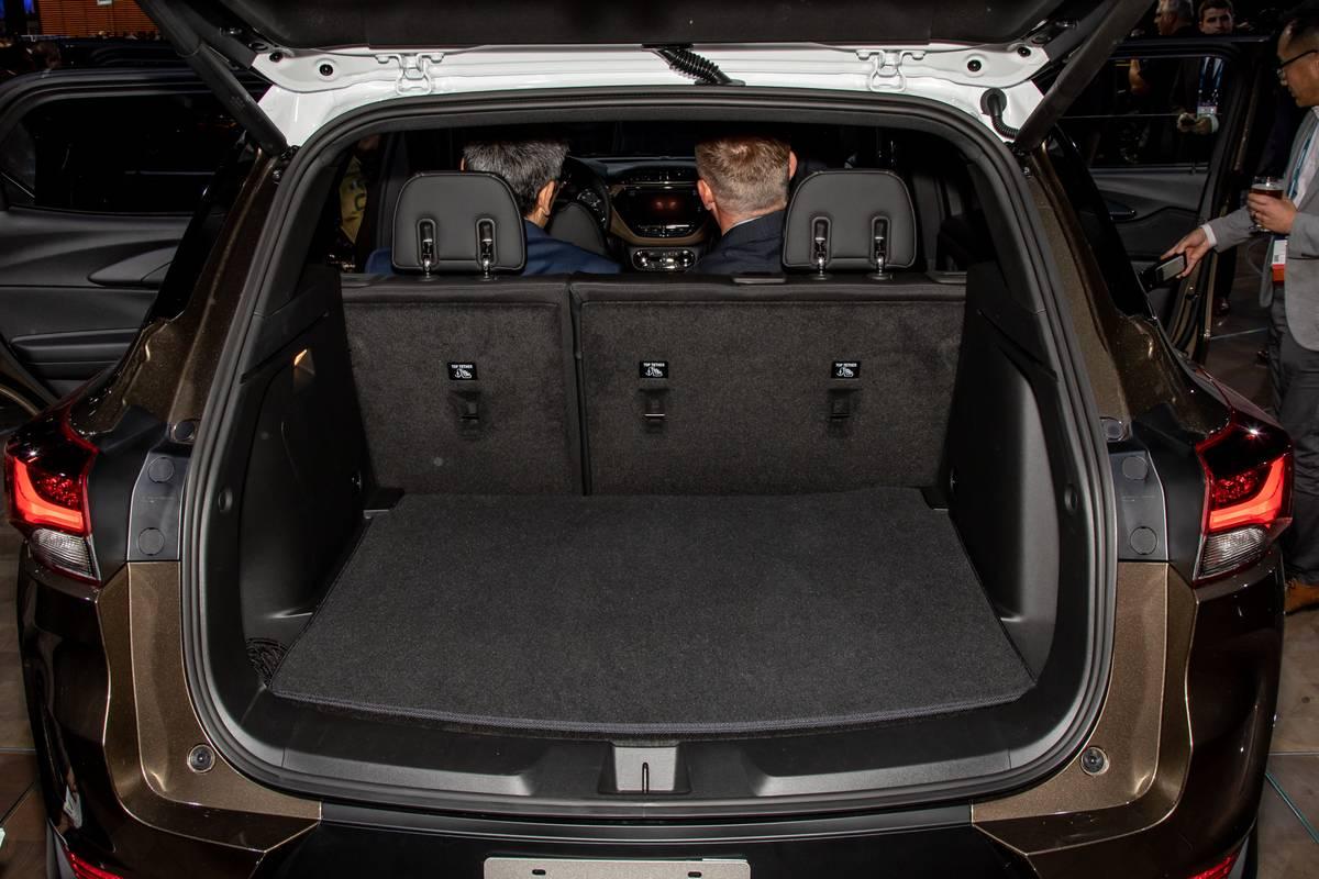 chevrolet-trailblazer-2021-cl-27-trunk.jpg