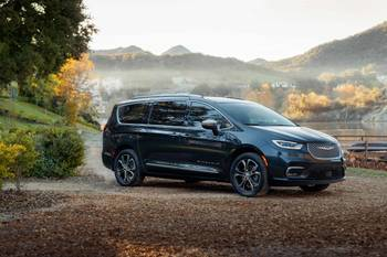 2021 Chrysler Pacifica Delivers Big on Safety, Features for Small Price Bump