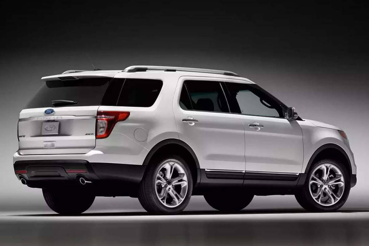 ford-explorer-2013-exterior-rear-three-quarter-oem