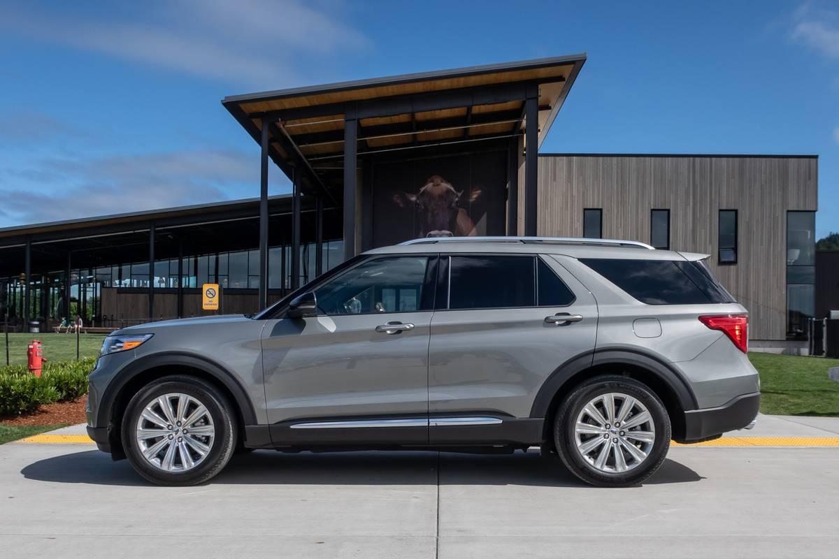 ford-explorer-hybrid-2020-03-exterior--profile--silver.jpg