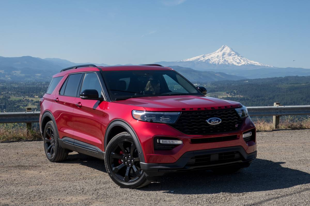 2020 Ford Explorer St First Drive Now That S More Like It News Cars Com