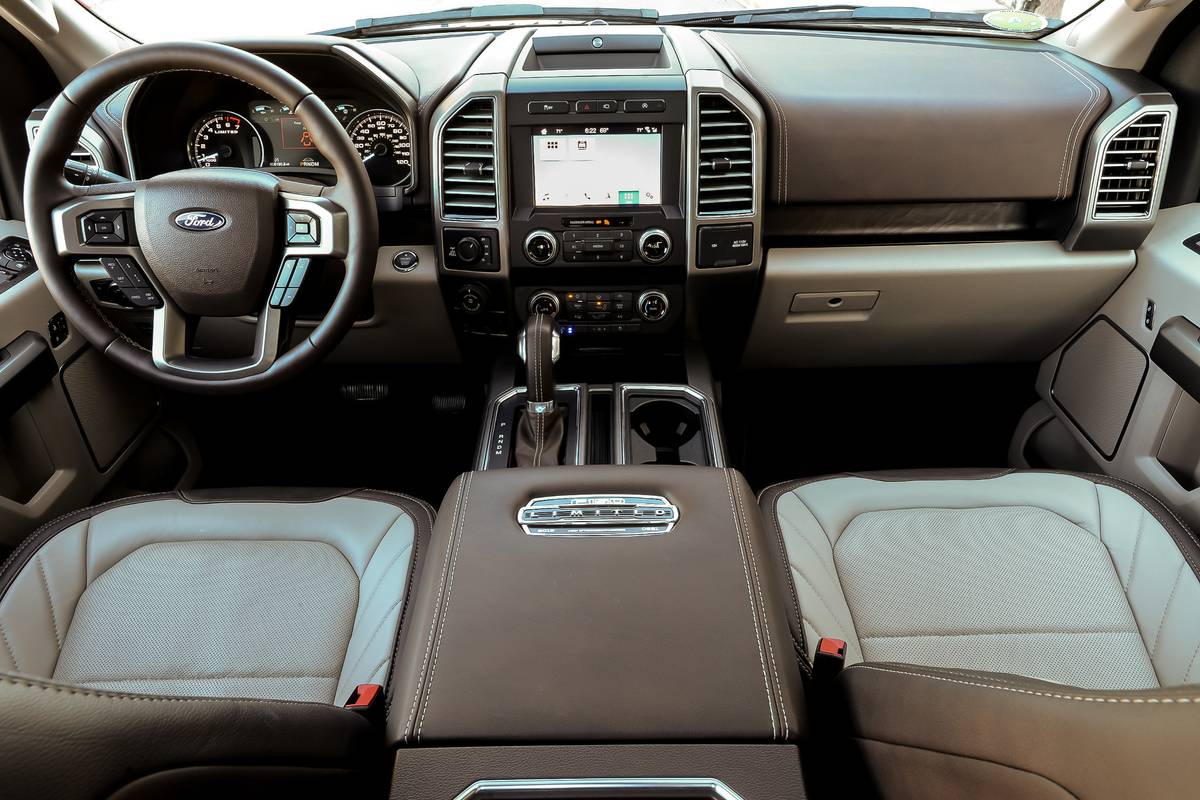 ford-f-150-limited-2019-07-brown--cockpit-shot--front-row--interior--tan--two-tone.jpg