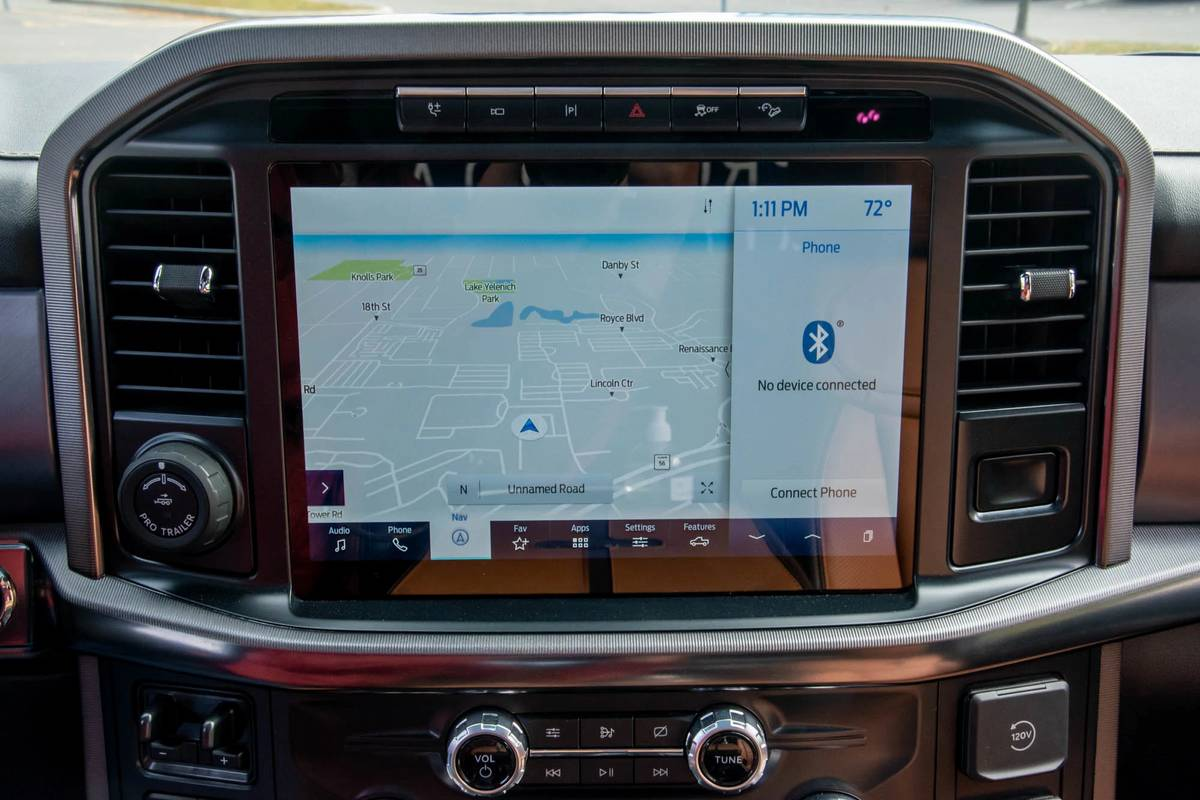 ford-f150-2021-05-center-stack-display--climate-control--front-row--gps-navigation--interior--touchscreen.jpg