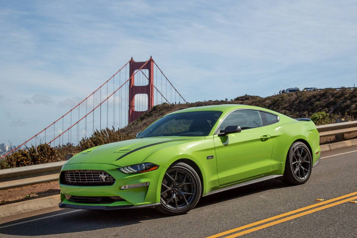 ford-mustang-ecoboost-2020-01-angle--exterior--front.jpg