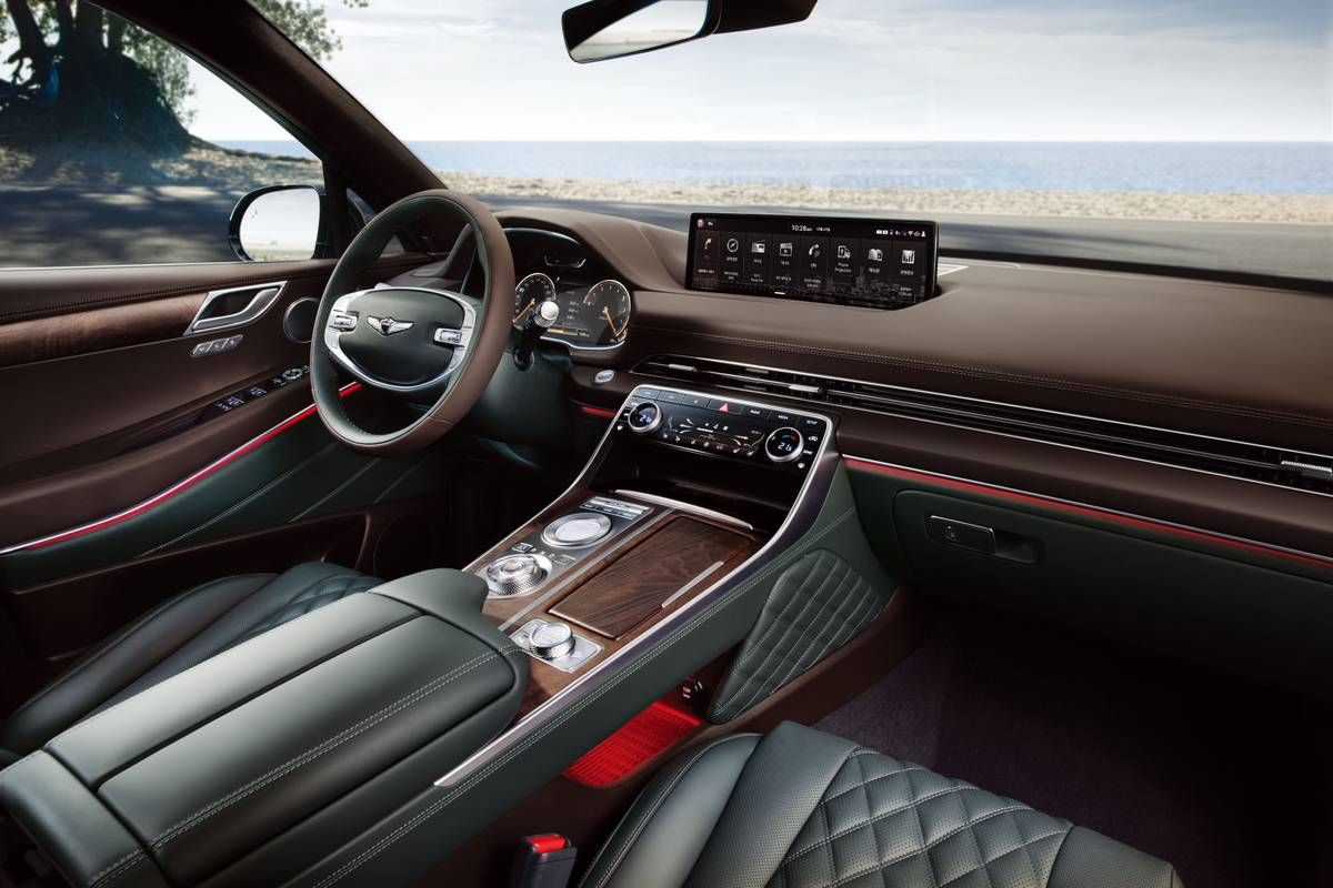 genesis-gv80--05-front-row--interior.jpg