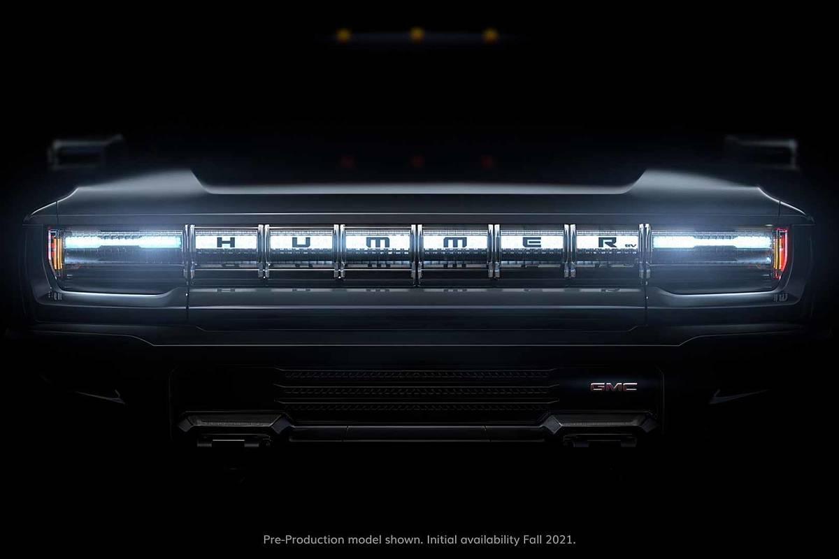 gmc-hummer-ev--01-badge--exterior--grille--headlights-2.jpg