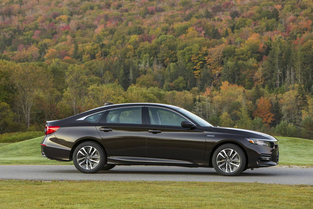 2020 Honda Accord Hybrid On Sale Now 3 Things Shoppers Should