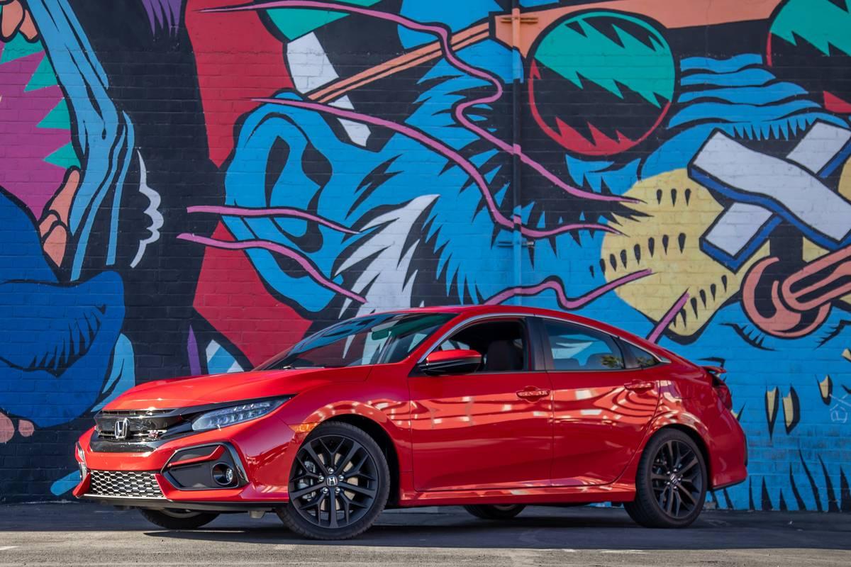 2020 Honda Civic Si Review A Little Less Fun A Lot Less Expensive Than A Type R News Cars Com