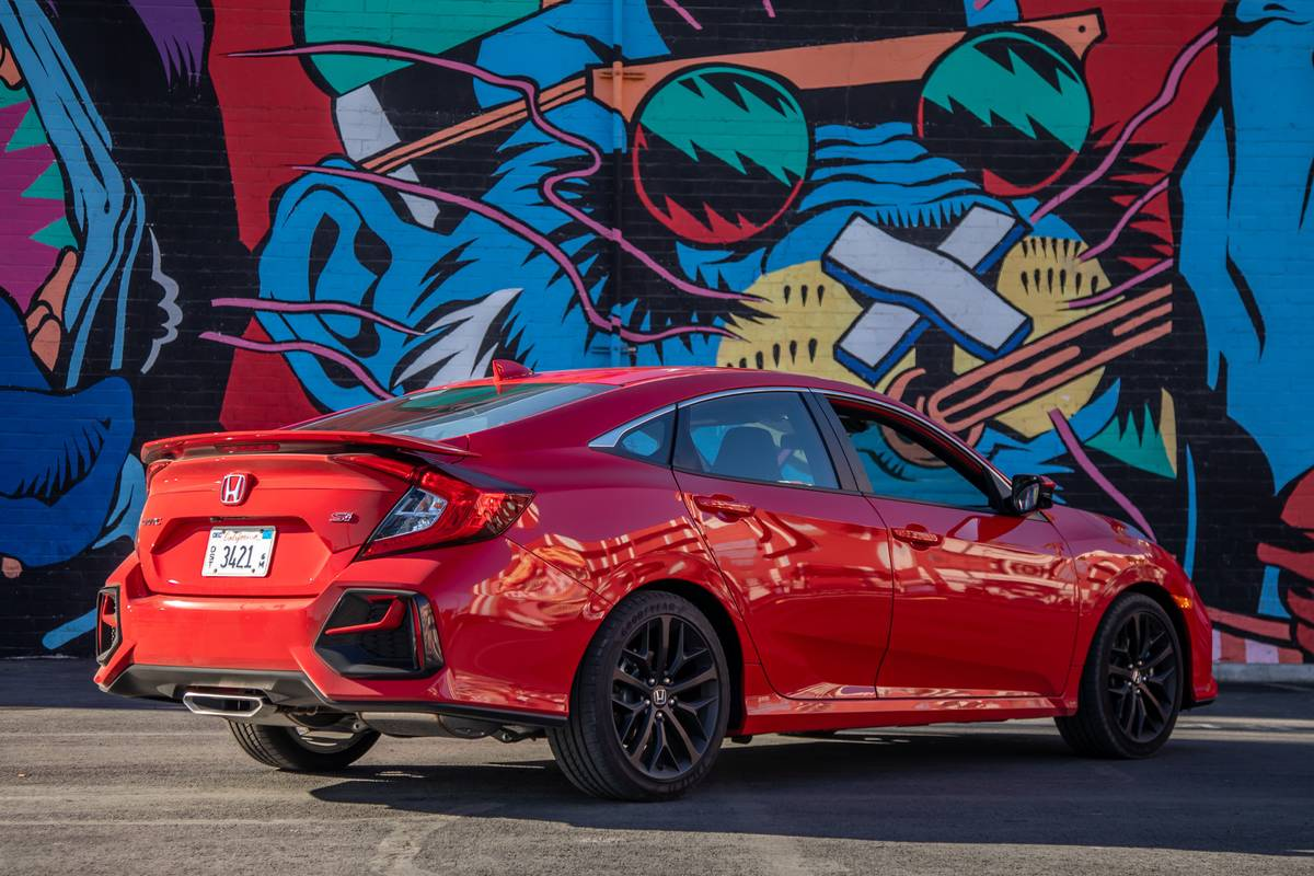 honda-civic-si-2020-12-angle--exterior--rear--red--textures-and-patterns.jpg