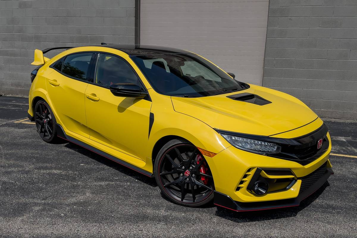honda-civic-type-r-limited-edition-2021-01-angle-exterior-front-yellow