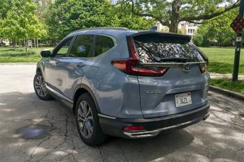 How Do Car Seats Fit in a 2021 Honda CR-V Hybrid?