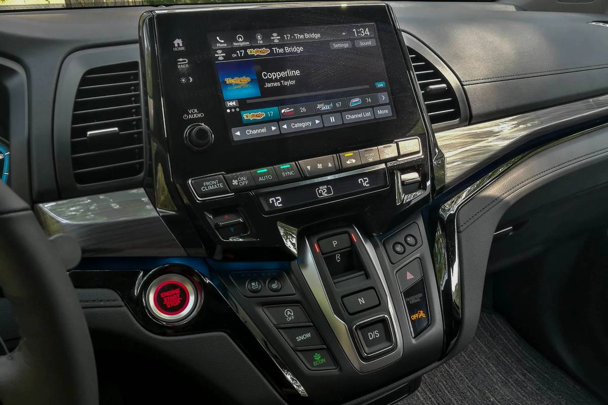 2021 Honda Odyssey touchscreen and climate control