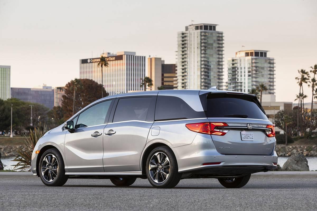 2021 Honda Odyssey rear angle view
