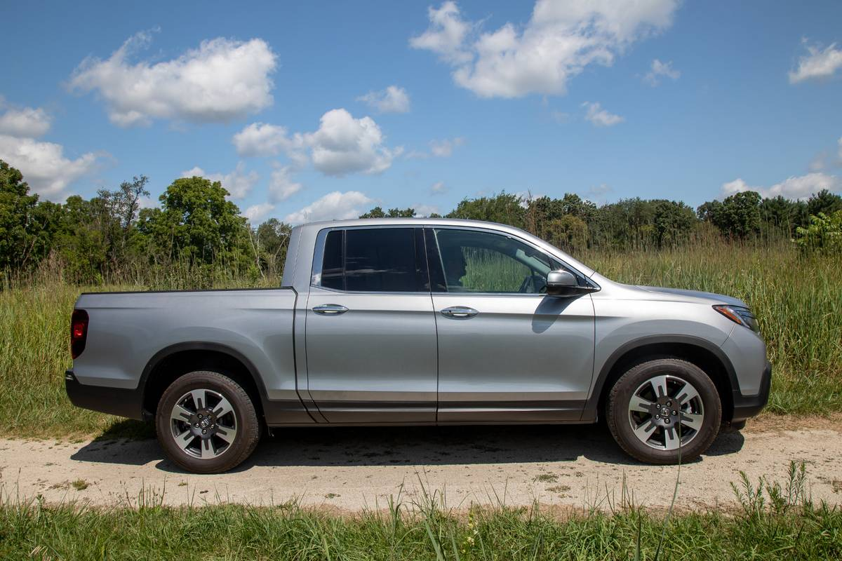 2020 Honda Ridgeline Which Should You Buy 2019 Or 2020 News Cars Com