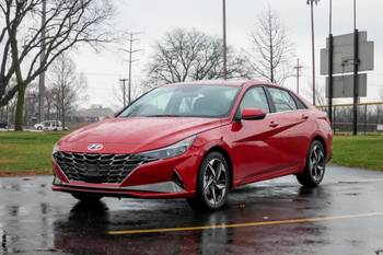 2021 Hyundai Elantra Review: Almost Great