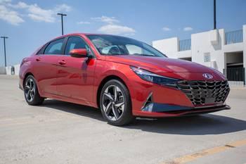 2021 Hyundai Elantra: 6 Things We Like (and 3 Not So Much)