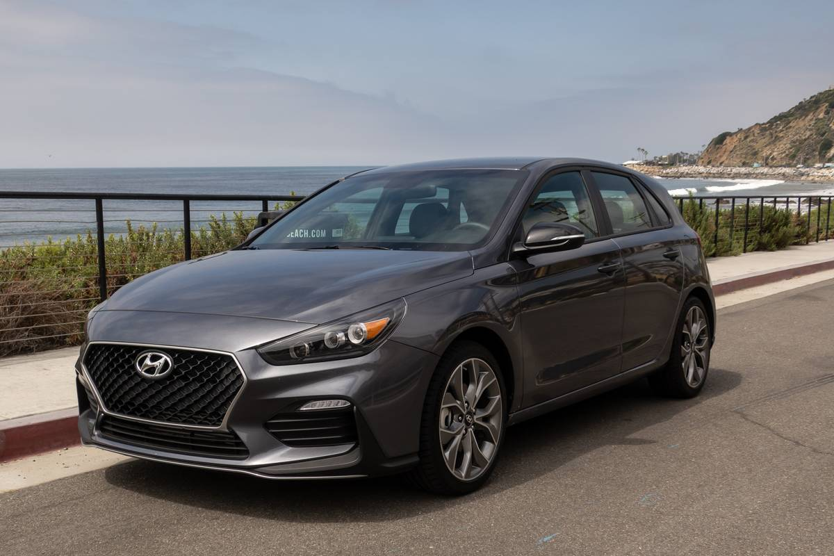 2019 2020 hyundai elantra elantra gt everything you need to know news cars com 2019 2020 hyundai elantra elantra gt