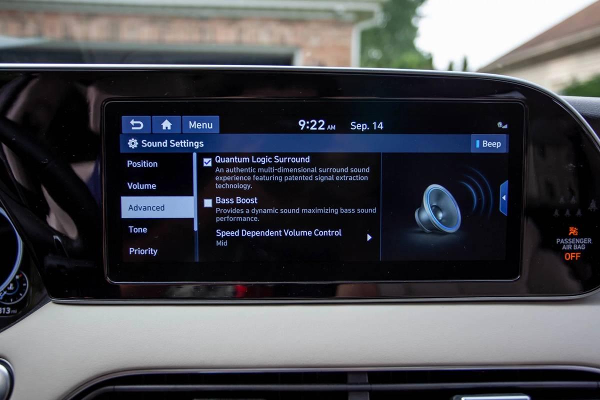 2020 Hyundai Palisade center stack display screen and audio system