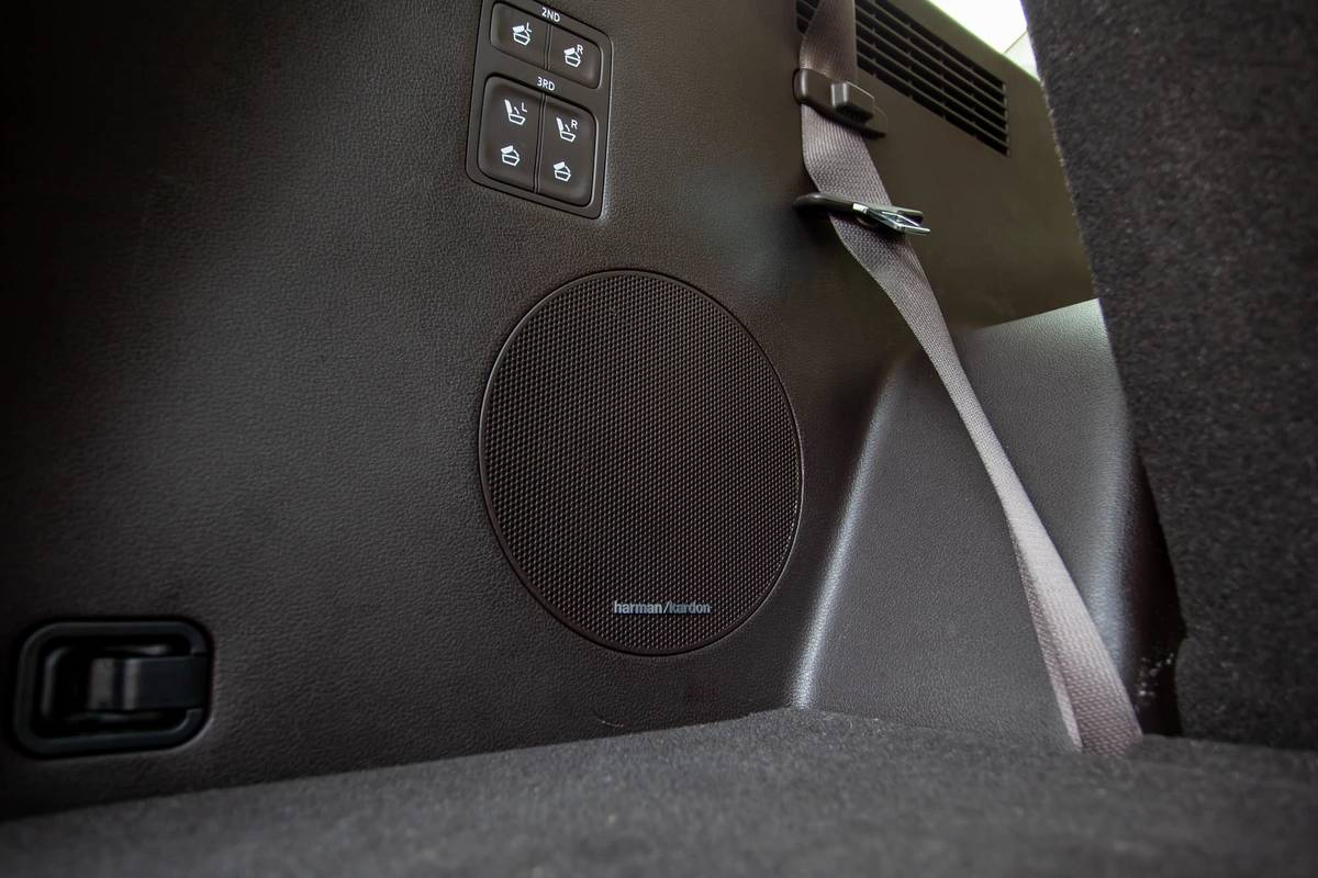 2020 Hyundai Palisade rear cargo speaker