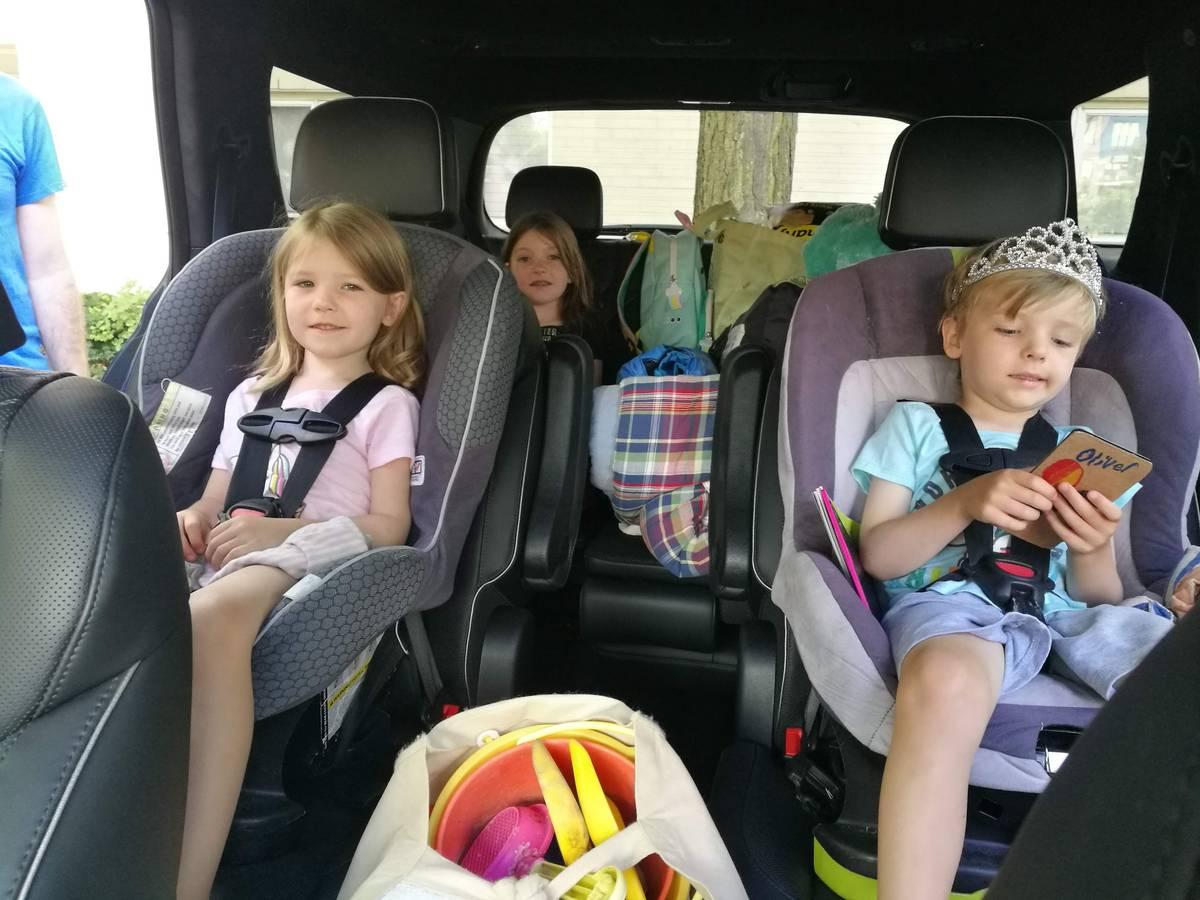hyundai-palisade-2020-03-cabin--children--family--heartbeat--interior--road-trip--second-row--third-row.jpg