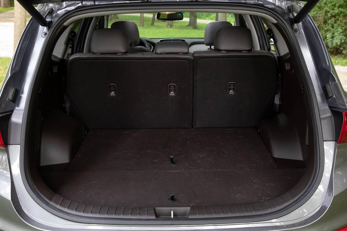 hyundai-santa-fe-ultimate-awd-2019-54-interior--trunk.jpg