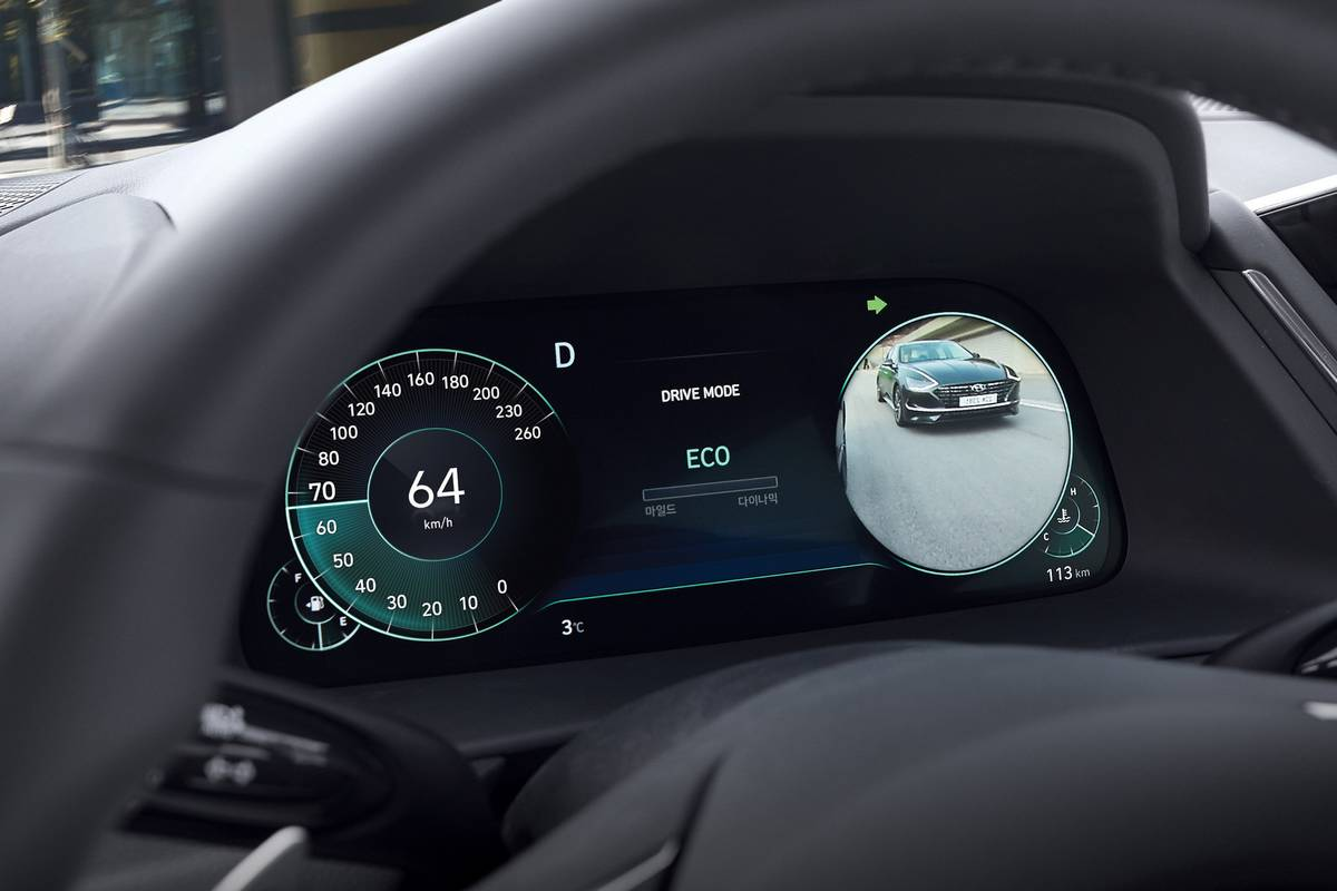hyundai-sonata-2020-oem-front-row--instrument-panel--interior-30.jpg