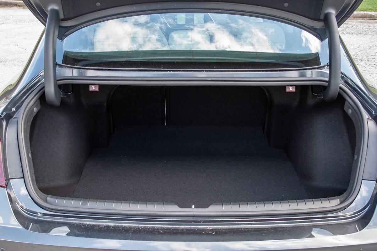 hyundai-sonata-hybrid-2020-21-cargo--interior.jpg