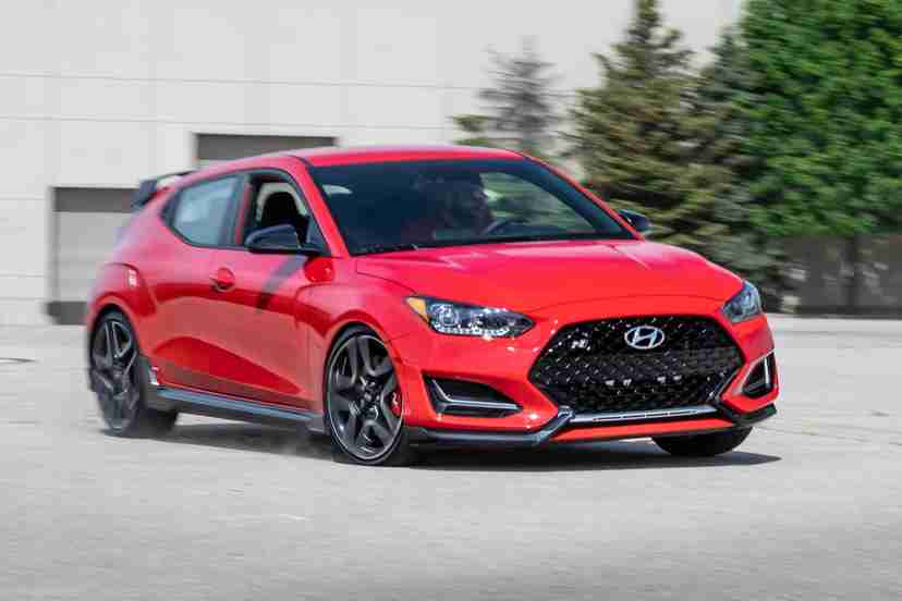hyundai-veloster-n-2021-01-angle--exterior--front--red.jpg