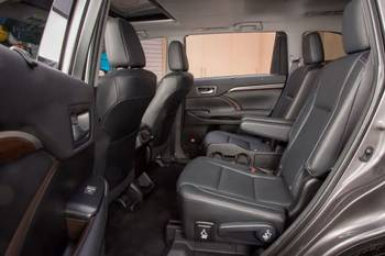 Which 2016 Three-Row SUVs Offer Second-Row Captain's Chairs?