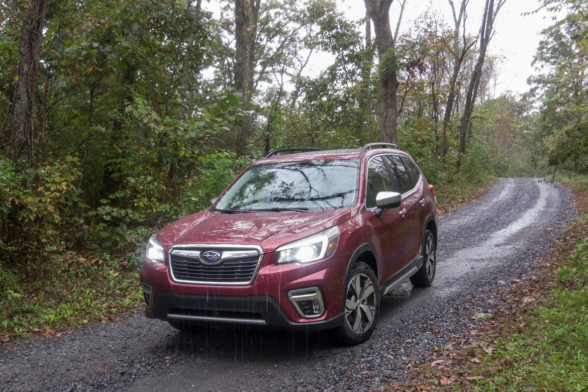 01-subaru-forester-touring-2019-angle--exterior--front--red.jpg