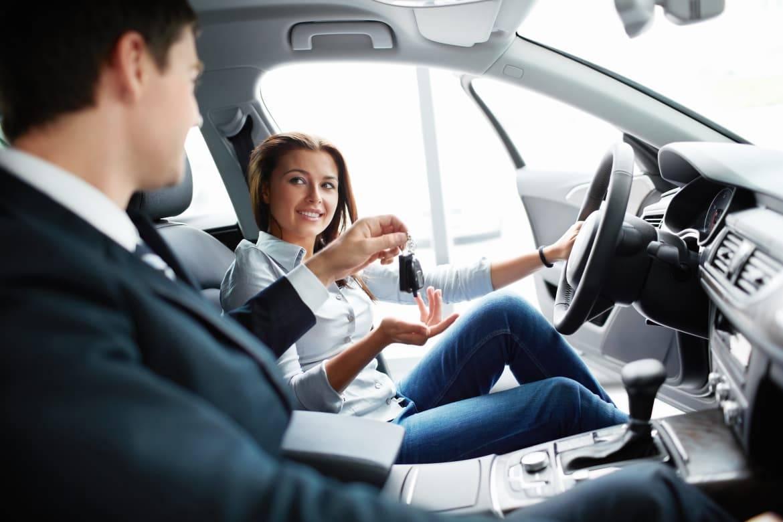 Woman_Car_Shopping.jpg