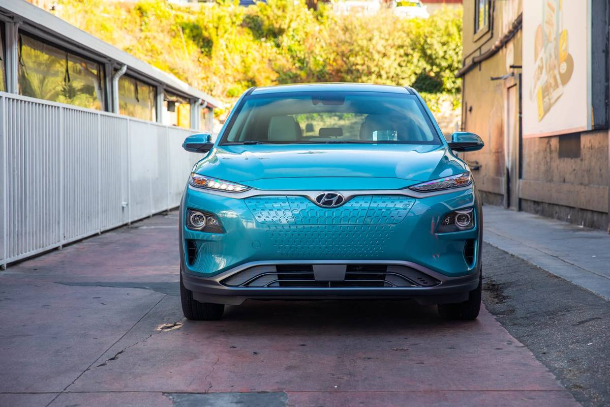 Here's Everything We Know About the 2019 Hyundai Kona Electric