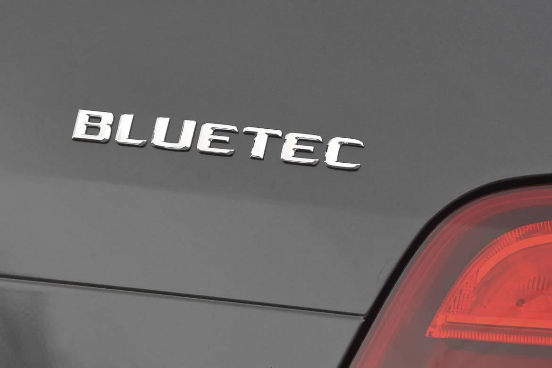 Mercedes-Benz BlueTEC diesel badge.jpg