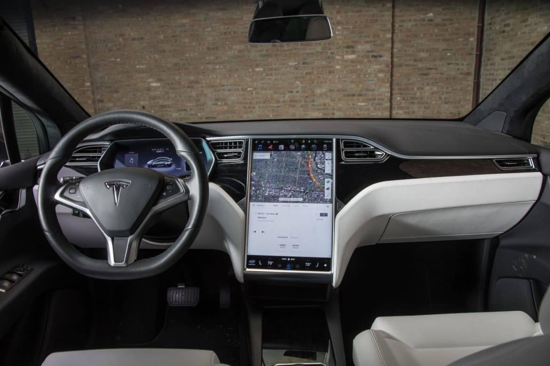 31-tesla-model-x-2018-front-row--interior.jpg