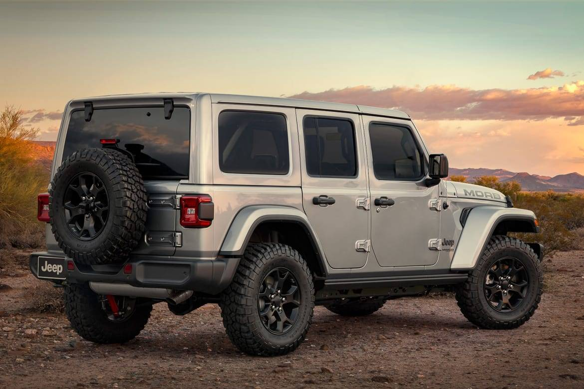 Which 2019 Jeep Wrangler Should I Buy Sport Sport S Sahara Or Rubicon News Cars Com